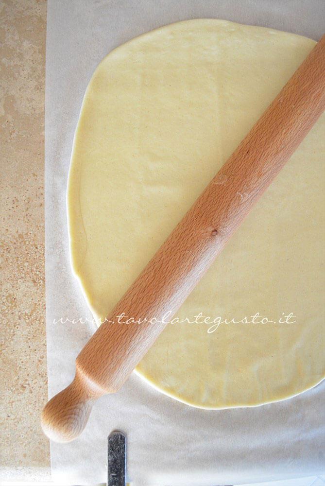 Stendere la Pasta Brisee - Ricetta Pasta Brisee