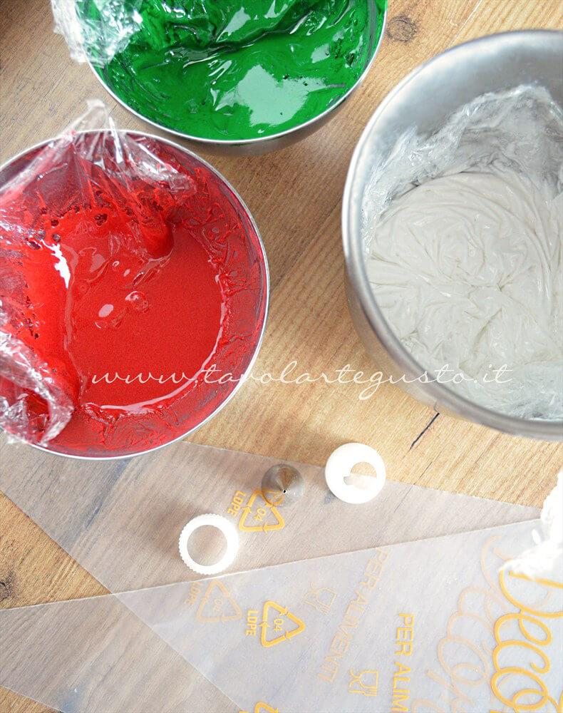 Ghiaccia Reale (Royal Icing) - Ricetta Ghiaccia Reale