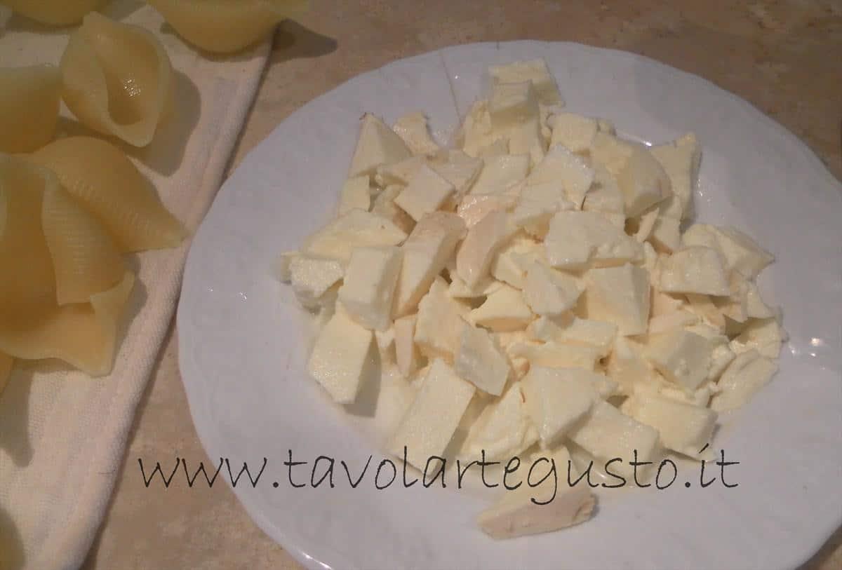 come fare i conchiglioni ripieni di melanzane e mozzarella 12