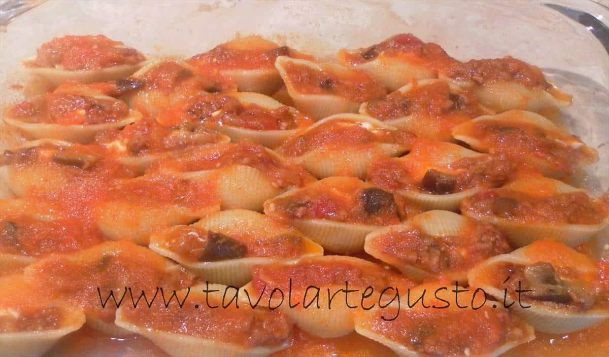 come fare i conchiglioni ripieni di melanzane e mozzarella 17