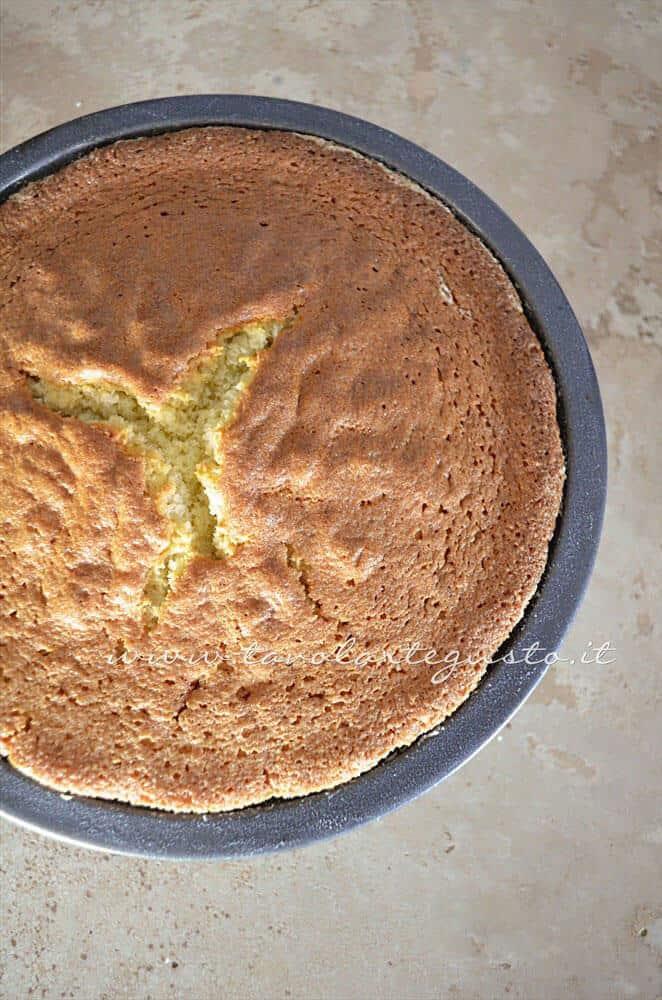 Torta al limone sfornata - Ricetta Torta al limone