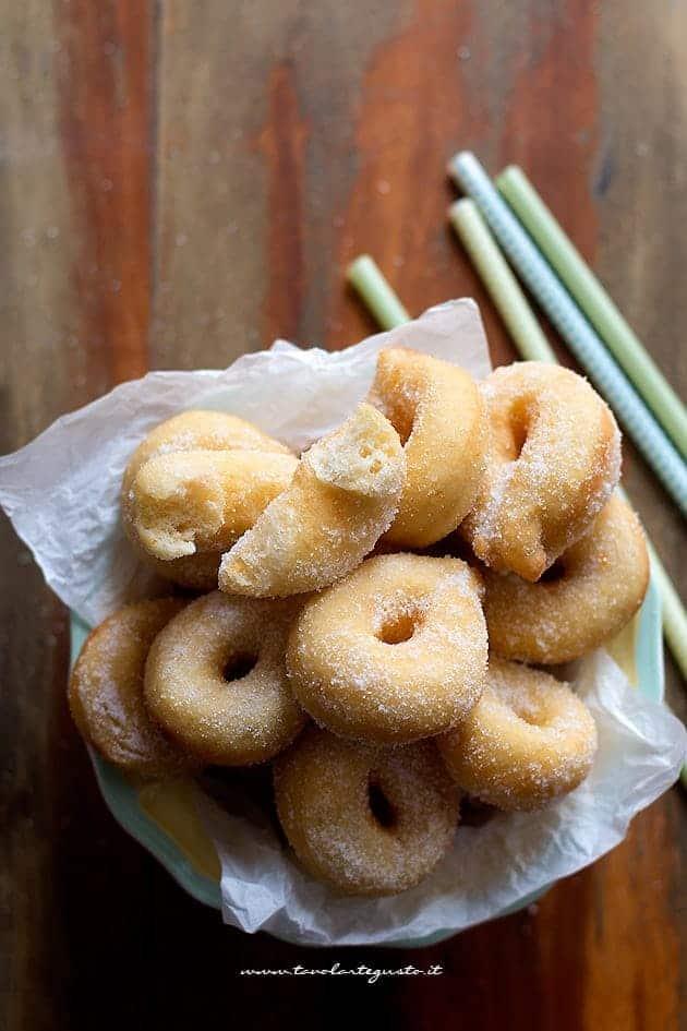 Graffe o Zeppole dolci di patate (interno soffice) - Ricetta Zeppole di patate