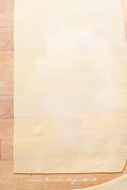Come stendere la sfoglia di pasta fresca all'uovo2  -  Ricetta pasta fresca fatta in casa