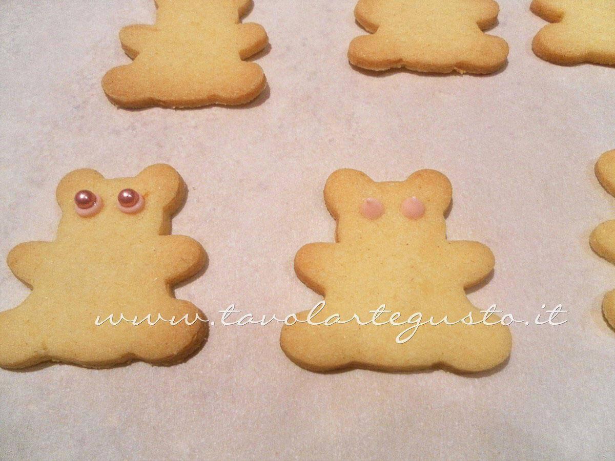 Decorare i Biscotti a forma di Orsetti (1)-Ricetta Biscotti decorati Orsetti del cuore