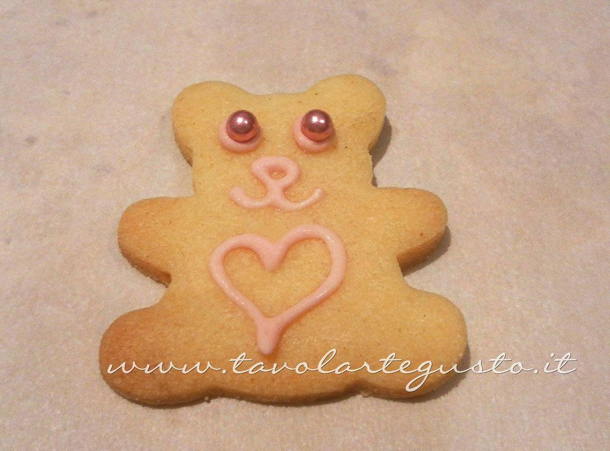 Decorare i Biscotti a forma di Orsetti (3)-Ricetta Biscotti decorati Orsetti del cuore