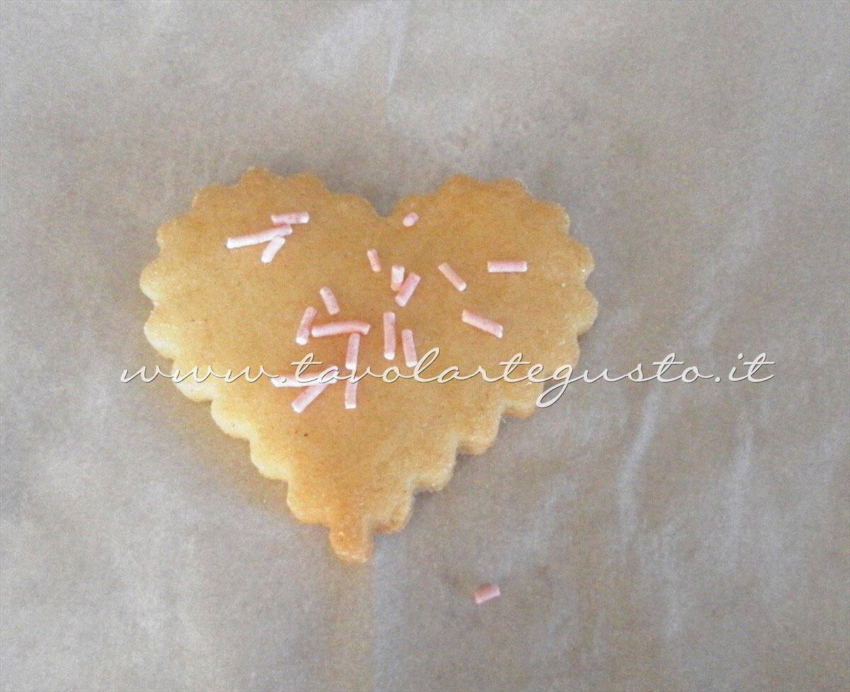 Decorare i Biscotti di San Valentino(1)- Ricetta di Biscotti San Valentino decorati
