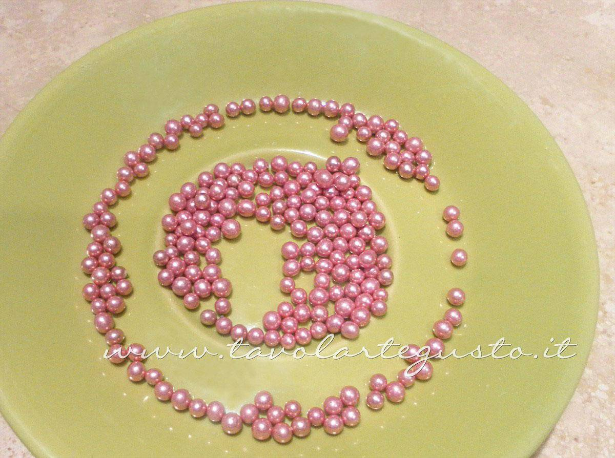 Perline di zucchero rosa - Ricetta Biscotti decorati Orsetti del cuore