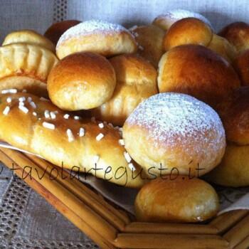 Pasta Brioche Ricetta - Brioches dolci - Trecce Brioches