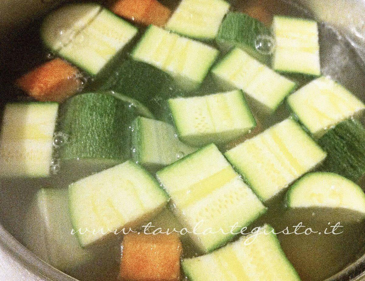 Aggiungere le zucchine - Ricetta Verdure gratinate