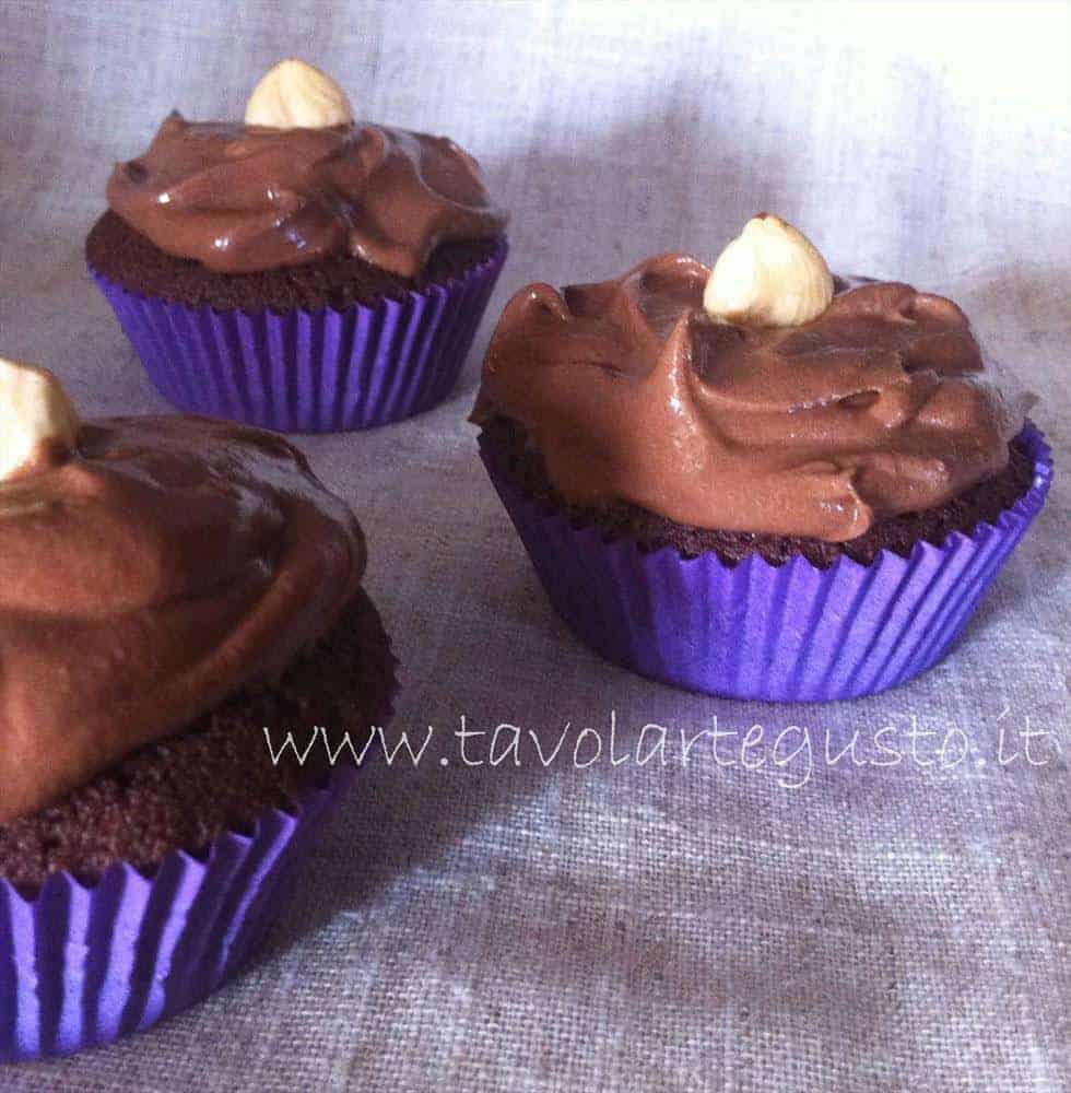 cupcakes al cacao con crema alla nutella