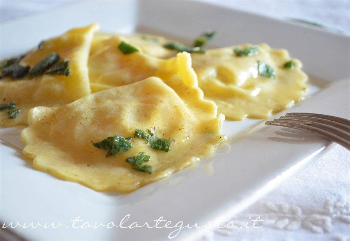 ravioli-di-patate,-mozzarella-e-zafferano