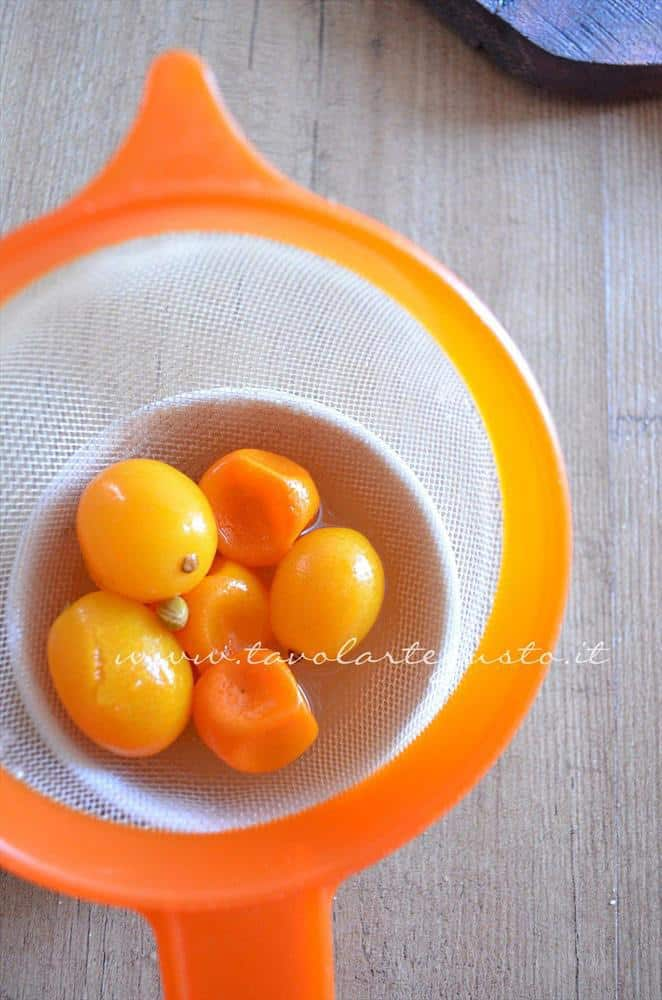 scaloppine al kumquat, peperoncini verdi e mandorle10