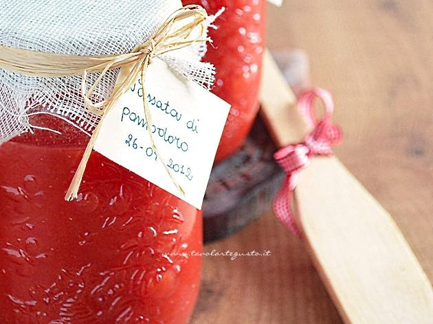 Passata di pomodoro fatta in casa - Ricetta