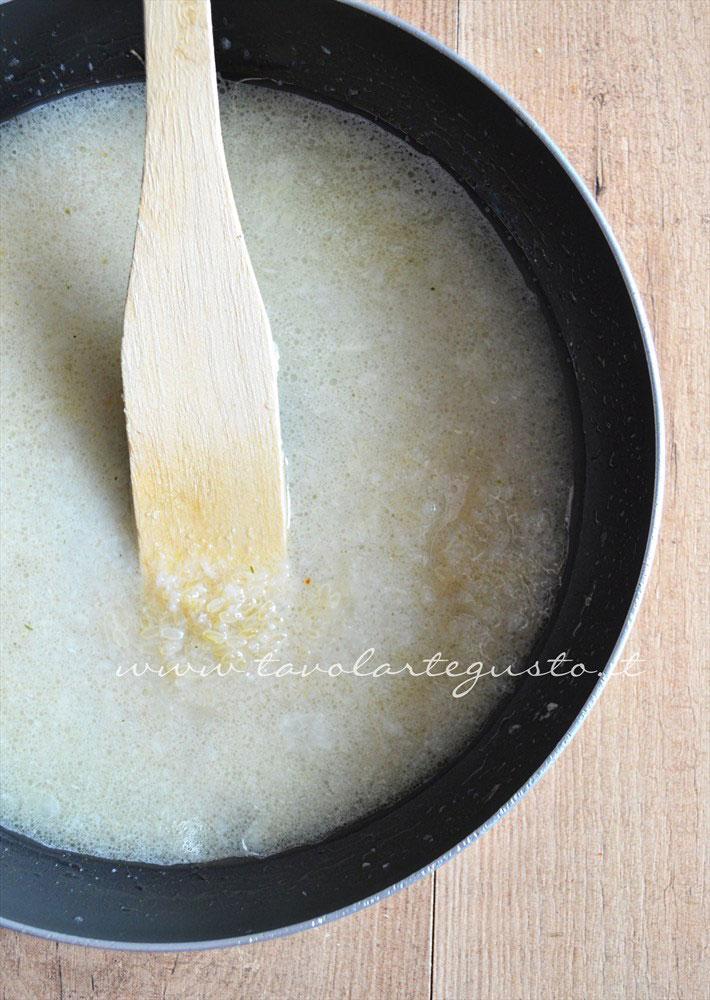 Risotto bianco cremoso(preparazione3 aggiunta del brodo vegetale)