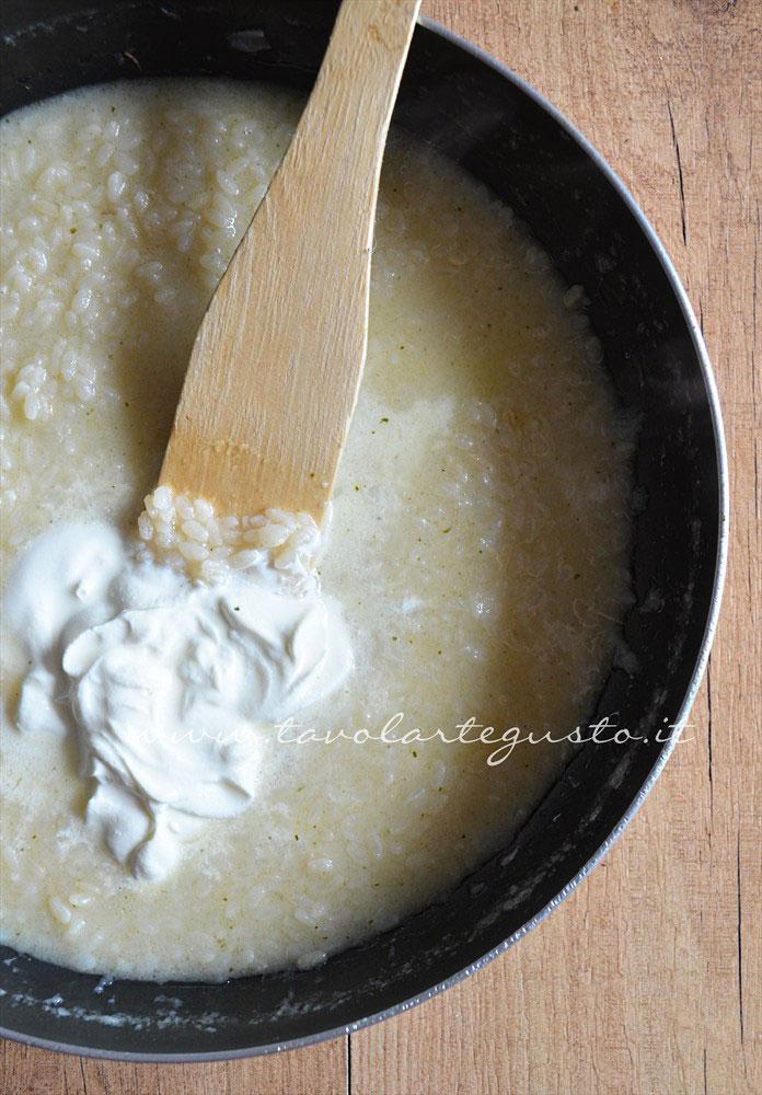 Risotto bianco cremoso(preparazione4 aggiunta della panna)