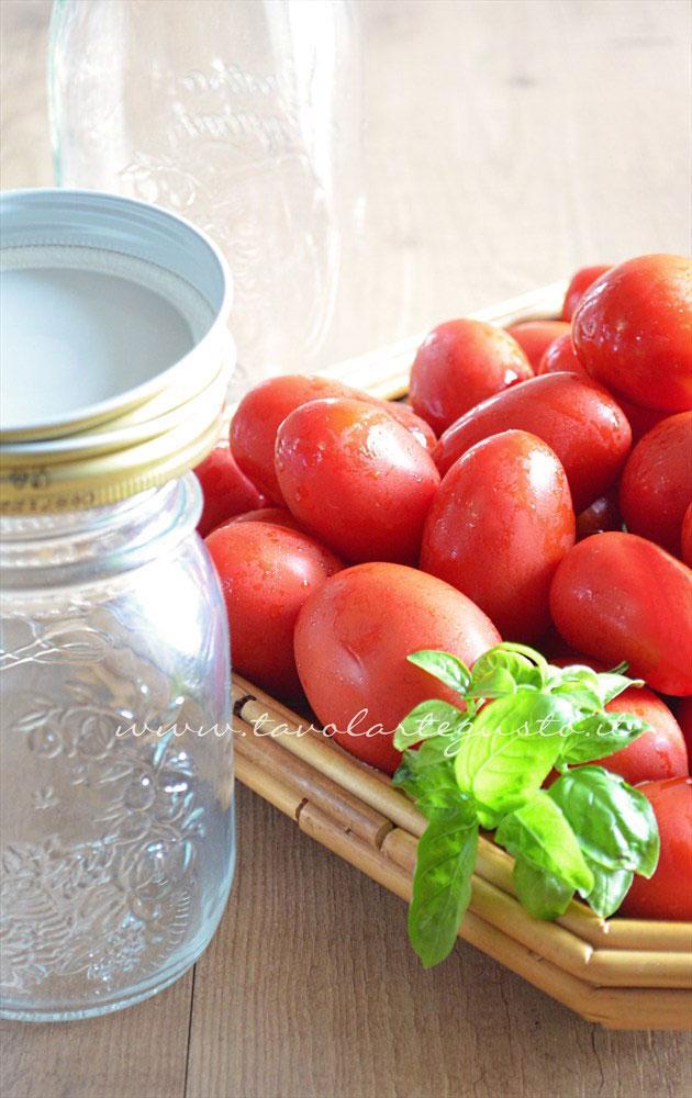 passata di pomodoro fatta in casa1