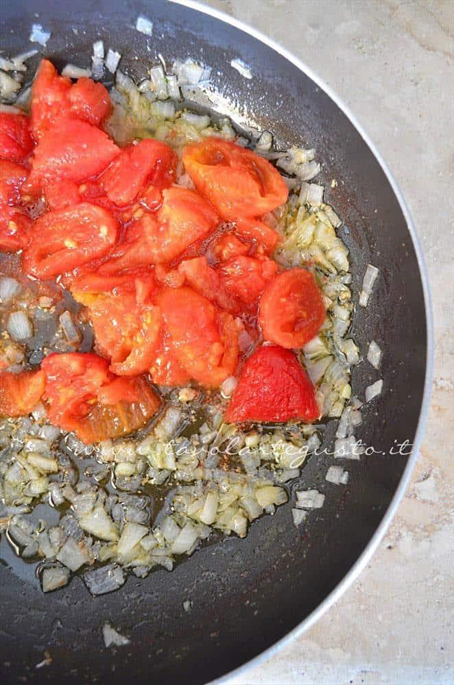 Salsa per le polpette in umido, Ricetta Polpette in umido di carne e salsiccia