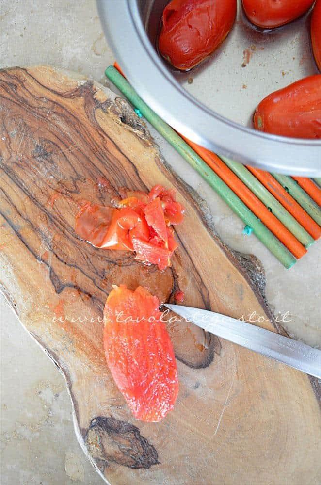 Spellare i pomodori, Ricetta Polpette in umido di carne e salsiccia