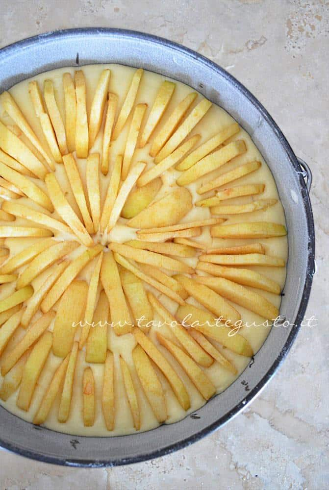 Mele a raggiera nella Torta di mele - Ricetta Torta di mele