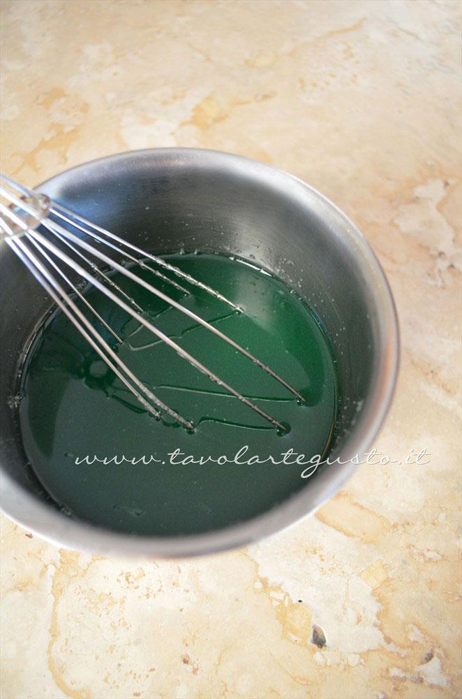 Aggiungere zucchero, limone e menta alla gelatina - Ricetta Caramelle gelatine alla menta - Caramelle gommose - Gelee