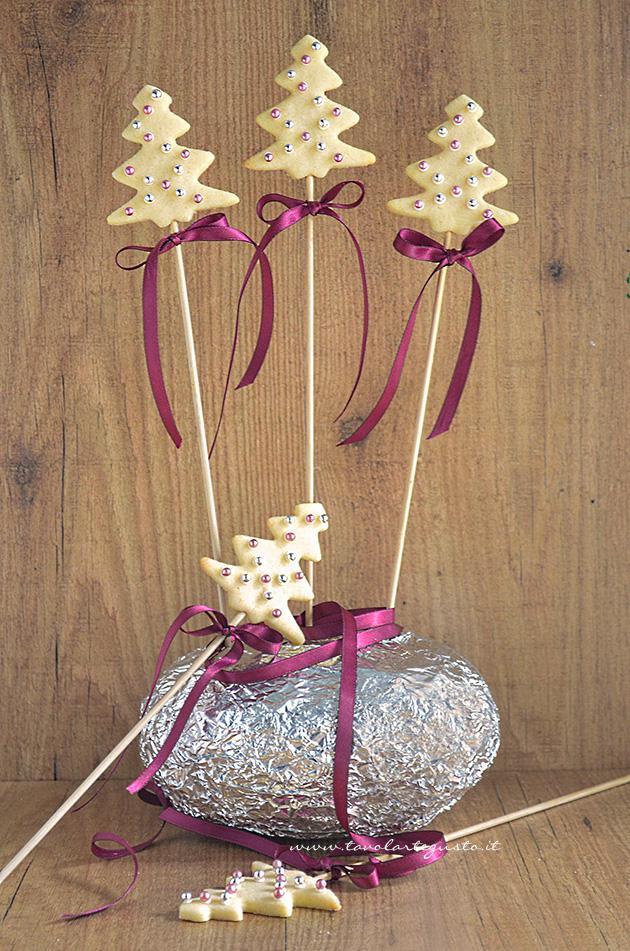 Biscotti lecca lecca natalizi come centrotavola