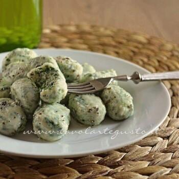 Gnocchi ricotta e spinaci - Ricetta Gnocchi di ricotta e spinaci