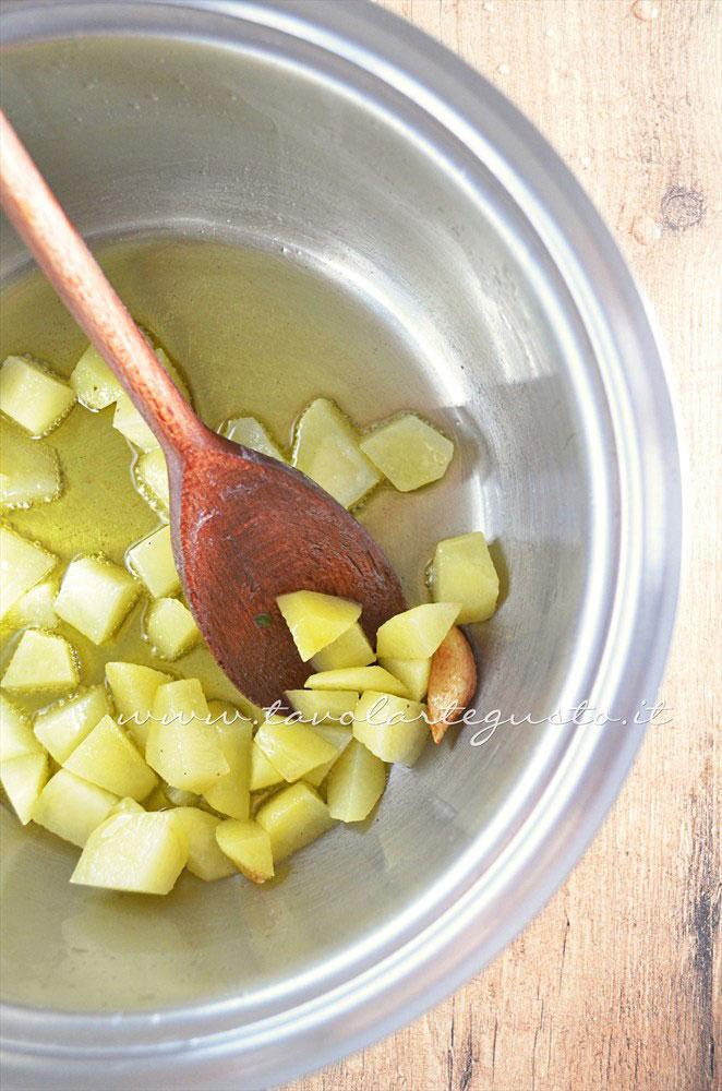 Rosolare le patate - Ricetta Vellutata di bietole con scamorza affumicata