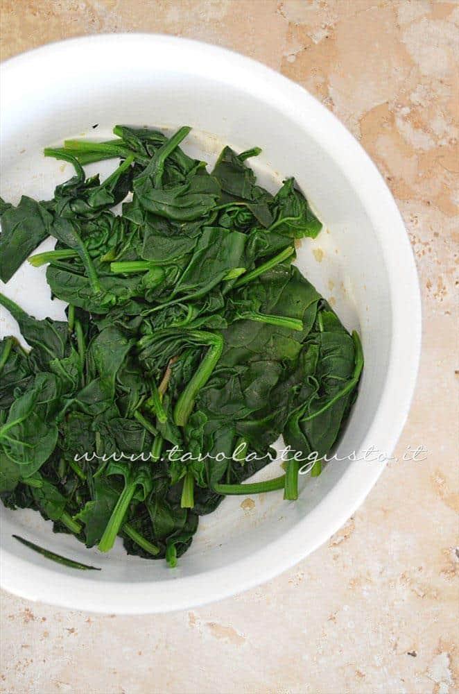 Spinaci appassiti - Ricetta Gnocchi ricotta e spinaci