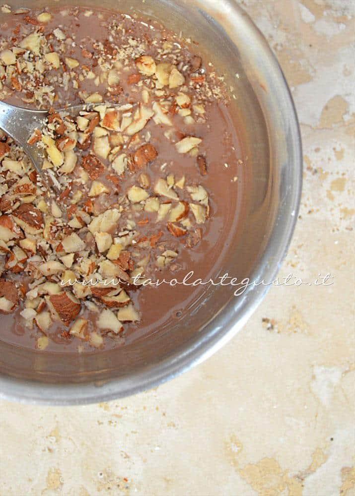 Ganache Kinder e nocciole 2 - Ricetta Cioccolatini Ripieni