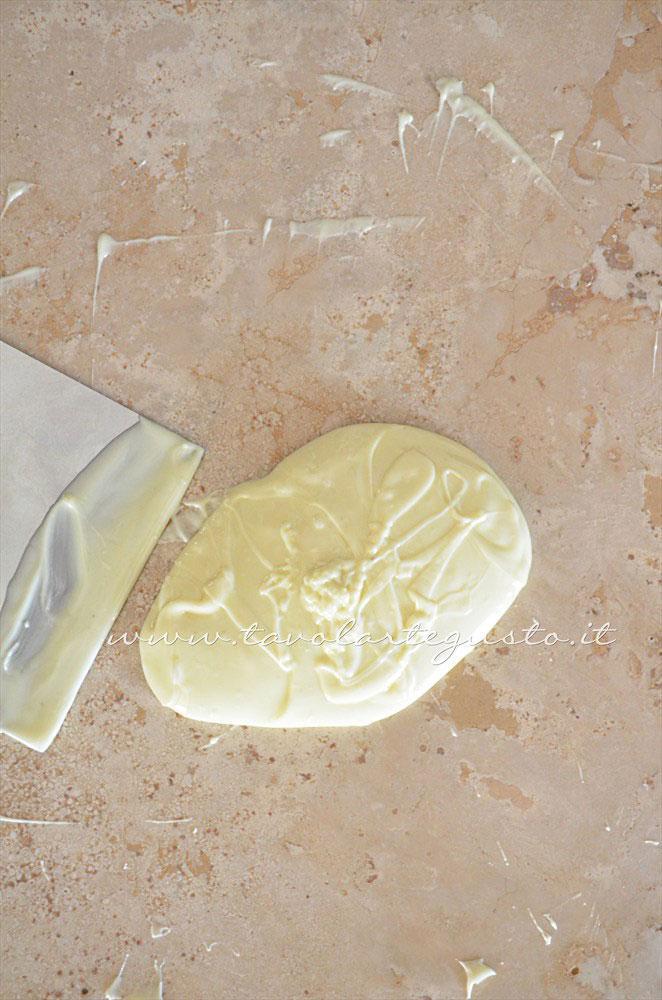 emperaggio cioccolato bianco 3 - Ricetta Cioccolatini Ripieni