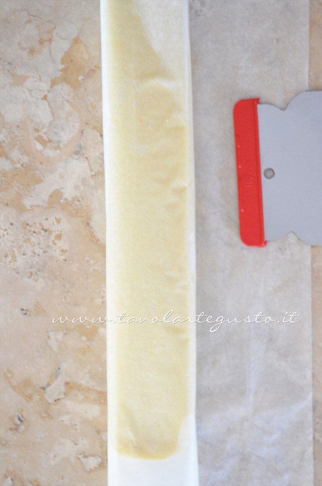 Realizzare un parallelepipedo con l'aiuto della carta da forno -  Ricetta Biscotti per colazione Campagnole home made