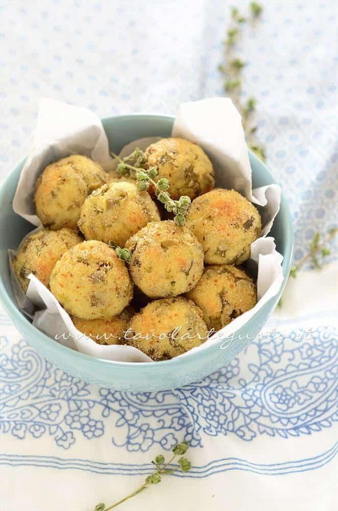 Crocchette di patate al forno con ricotta e fagiolini - Ricetta crocchette di patate al foro con ricotta e fagiolini