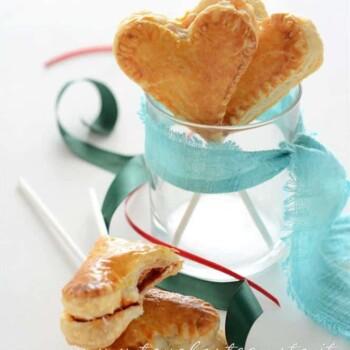 Lecca lecca salati di pasta sfoglia - Ricetta Lecca lecca salati di pasta sfoglia