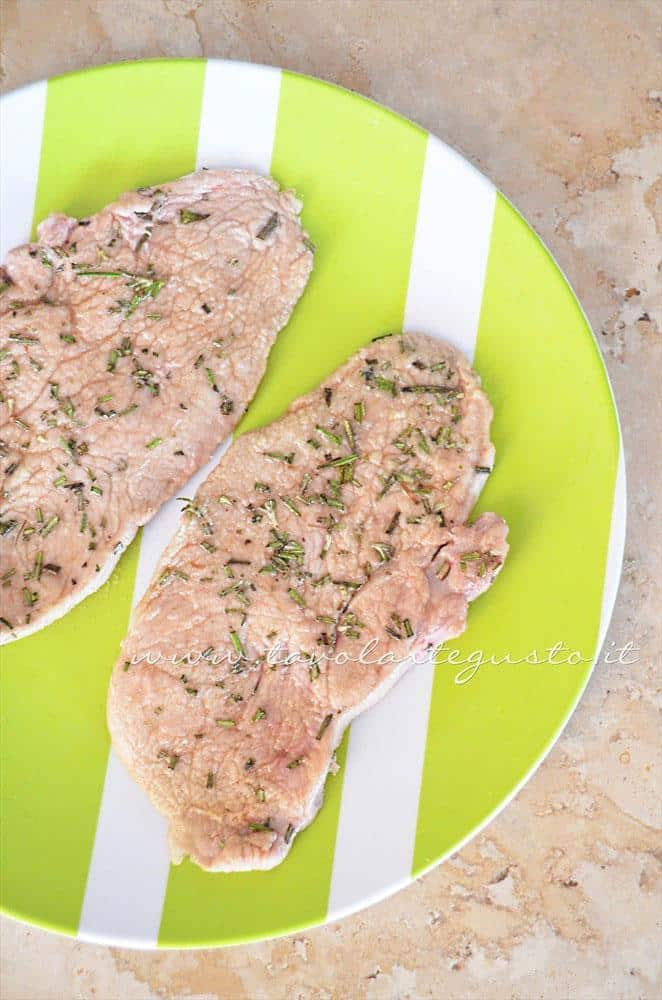 Salare e pepera le scaloppine - Ricetta Scaloppine all'uva