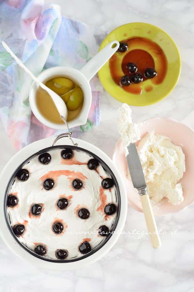 Assemblare la Torta Foresta nera2 - RicettaTorta Foresta Nera Exotic Flavours