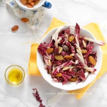 Insalata di Radicchio con pinoli e uva secca - Ricetta Insalata di Radicchio