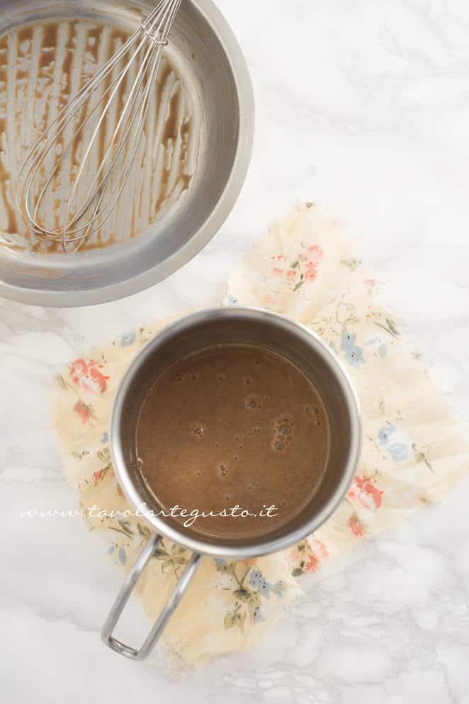 Preparare la Ganache al Cioccolato Kinder 2 -Ricetta Biscotti al Cappuccino