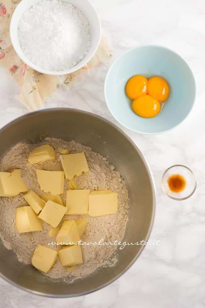 Preparare la Pasta Frolla al caffè 1 - Ricetta Biscotti al Cappuccino