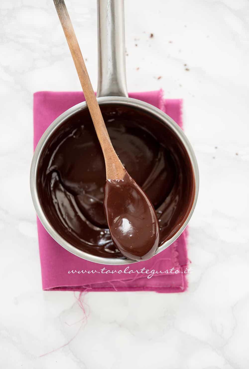 Il cioccolato appena sciolto - Ricetta Tartufi al cioccolato