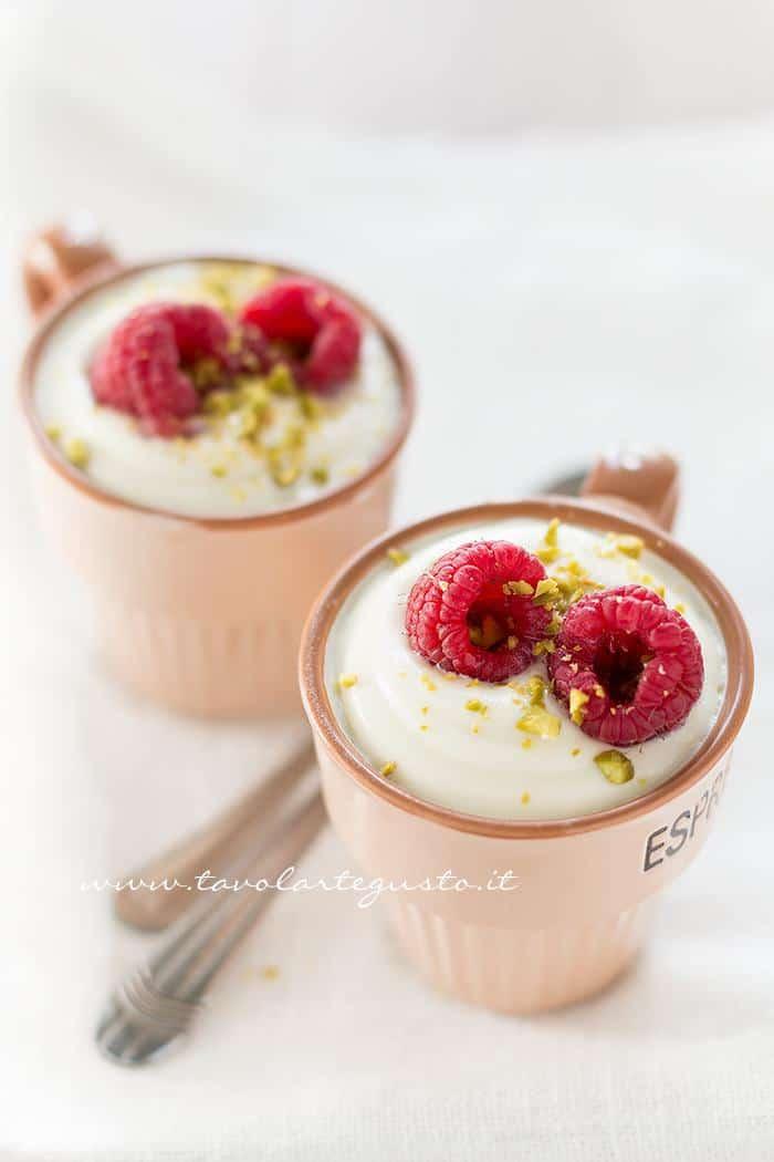 Mousse al cioccolato bianco , Ricetta Mousse al cioccolato bianco