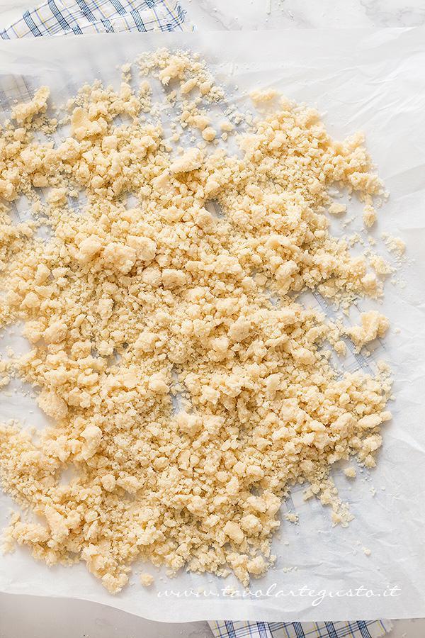 Preparare il Crumble salato (3) - Ricetta Crumble di Verdure