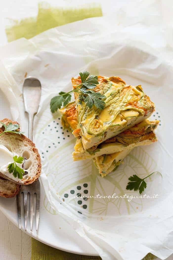 Frittata con fiori di zucca al forno- Ricetta Frittata con fiori di zucca al forno