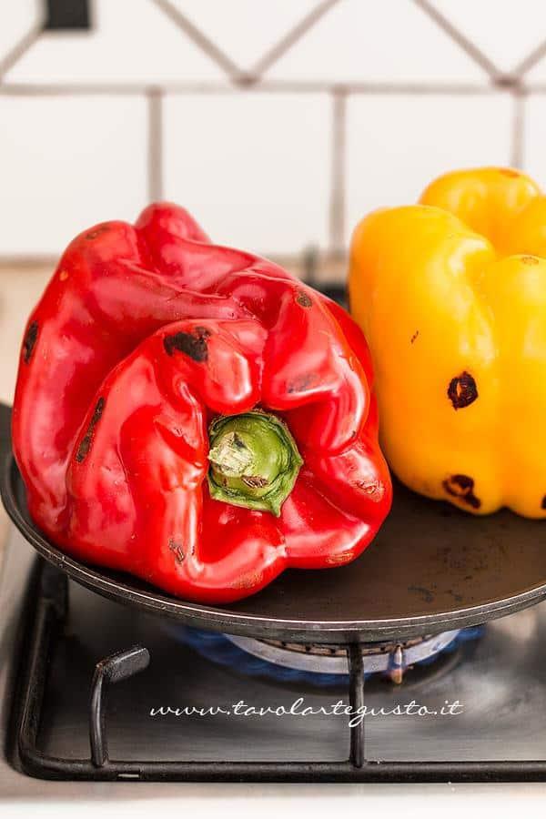 Peperoni arrostiti - come arrostire i peperoni 1- Ricetta Peperoni arrostiti