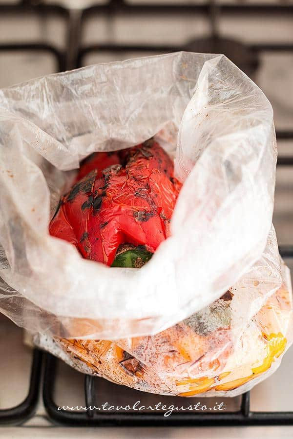 Peperoni arrostiti - come arrostire i peperoni 5- Ricetta Peperoni arrostiti
