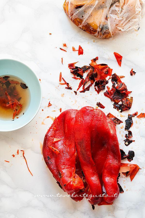Peperoni arrostiti - come spellare i peperoni 1- Ricetta Peperoni arrostiti