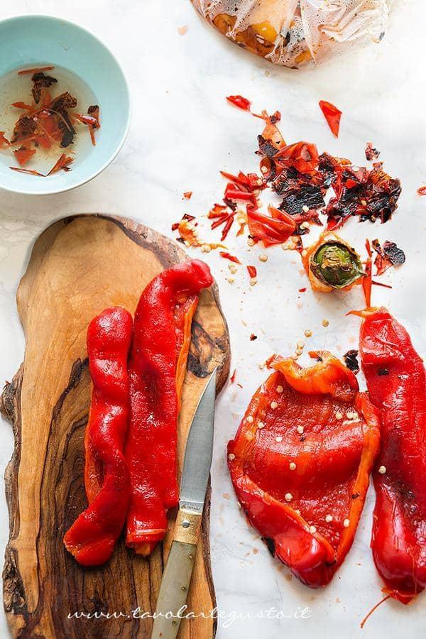 Peperoni arrostiti - come spellare i peperoni 2- Ricetta Peperoni arrostiti