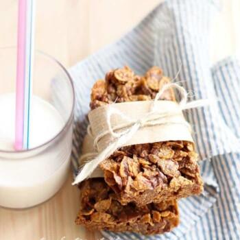 Barrette di cioccolato e corn flakes - Ricetta Barrette di cioccolato e corn flakes