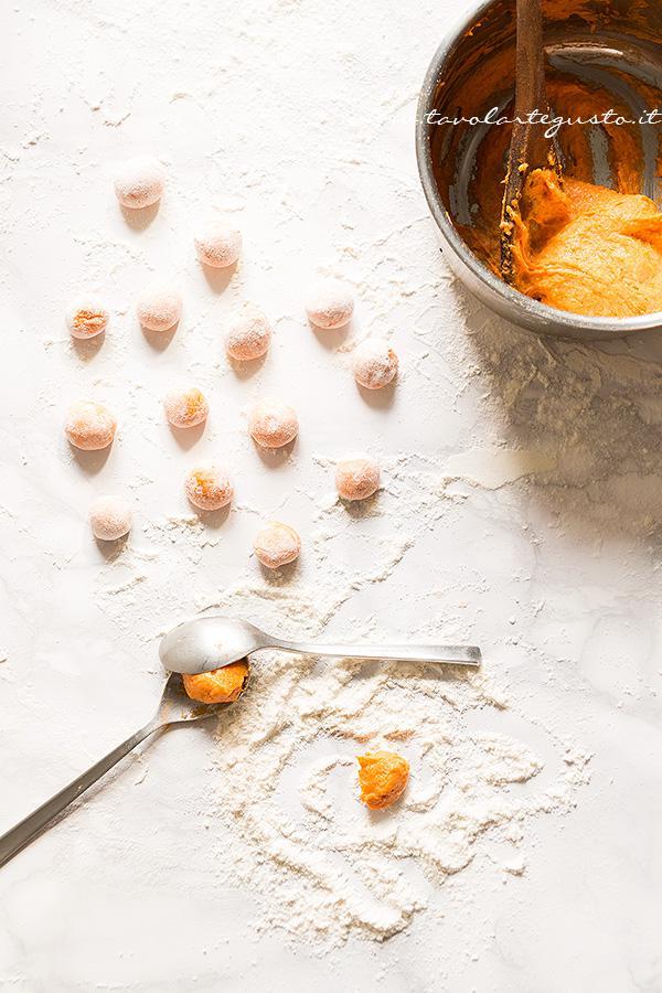 Come fare gli gnocchi di zucca - Ricetta Gnocchi di zucca