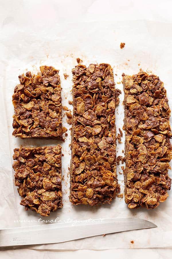 Come tagliare le barrette - Ricetta Barrette di cioccolato e corn flakes