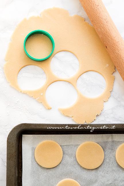 Preparare i Biscotti Ragno - Ricetta Biscotti Ragno per Halloween